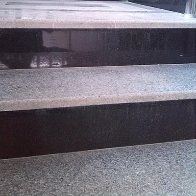 سنگ پله گرانیتی